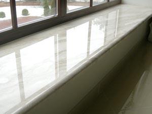 Монтаж подоконников и откосов пластиковых окон в загородных домах