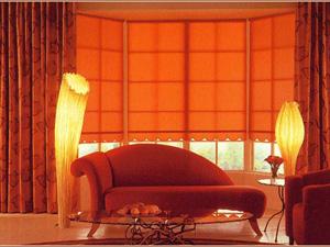 Рулонные шторы как элемент дизайна дома и земельного участка
