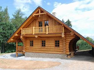 Строительство из оцилиндрованного бревна – традиции и современность
