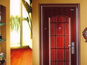Установка металлической входной двери Форпост