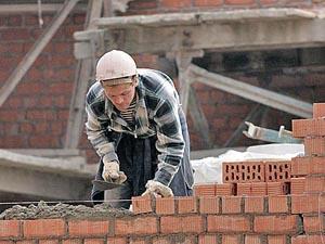 Зарплата работников, занятых в загородном строительстве