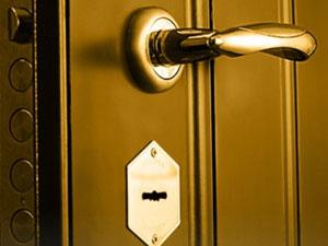 Двери Форпост как альтернатива систем безопасности в квартире