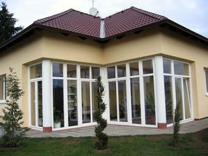 Установка пластиковых окон в загородных домах