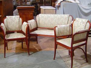 Ремонт и реставрация мягкой мебели для дачи