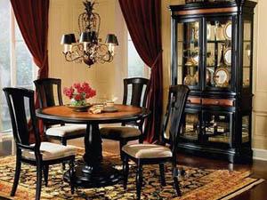 Старинная мебель из Европы – отличный вариант для загородной недвижимости
