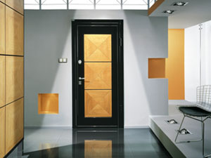 Продажа стальных дверей для загородной недвижимости