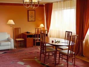 Снять номер в отеле, гостинице или квартиру в Красноярске?