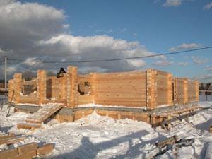 Насколько реально строительство дома зимой?