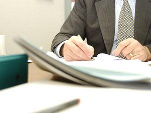 Услуги частного юриста в земельных, жилищных и приватизационных спорах
