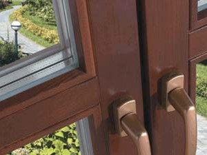 Деревянные окна эконом класса для дачного домика