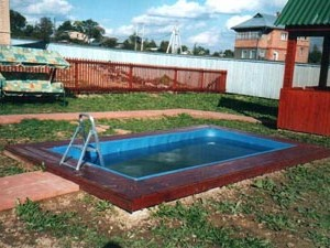 Пластиковые бассейны для загородных домов