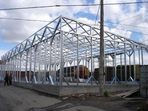 Монтаж металлоконструкций - ворот, окон, решёток в загородной недвижимости
