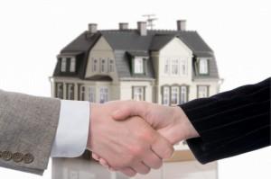 Как выбрать юриста для решения проблем с недвижимостью