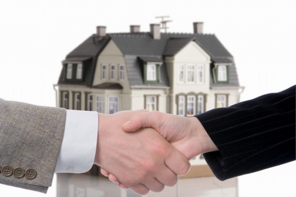 Как выбрать юриста для решения проблем с недвижимостью?