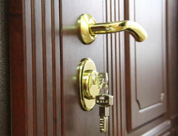 Качественные и недорогие металлические входные двери найдете в «Райдер»