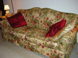 Обновление интерьера: перетяжка диванов и другие моменты