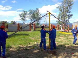 Монтаж винтовых свай при строительстве загородных домов