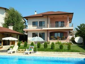 Как выгодно купить дом в Болгарии?