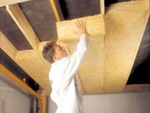 Пароизоляция потолка в загородном доме