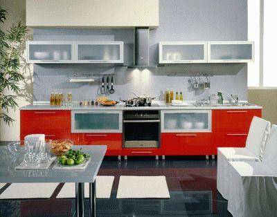 Комфортная кухня в московской квартире