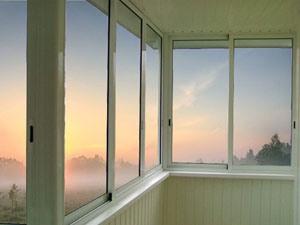 Преимущества и недостатки остекления балконов алюминиевым профилем