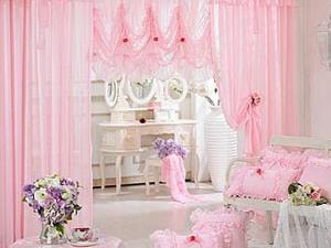 Розовый цвет в интерьере не только для детей
