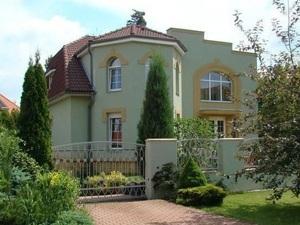 Насколько сложно снять дом в Севастополе?