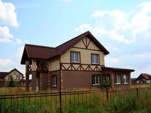 Готовые дома в коттеджном поселке Подмосковья