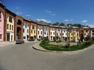 Танухаусы и однокомнатные квартиры на земельных участках по Киевскому шоссе